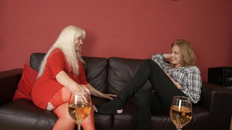 Hot babe visiting an older lesbian and it turns out wild
