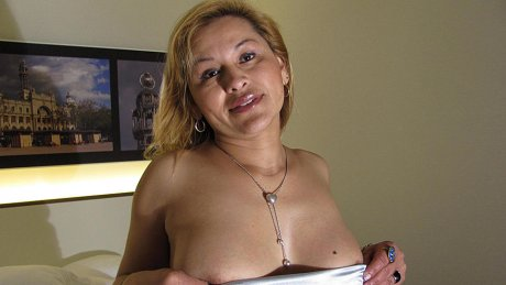 This horny mature slut loves to get wet