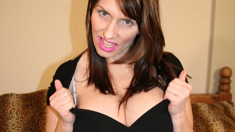 Big titted mature slut gets her undies wet