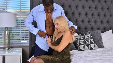 Naughty mature slut taking a big black cock up her ass